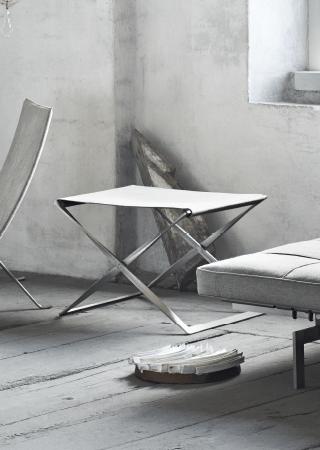 PK91 配上GRACE 皮革的折叠凳子