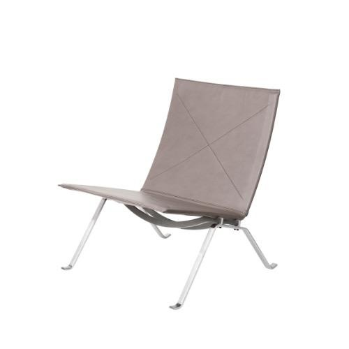 PK22 LOUNGE CHAIR IN LEATHER