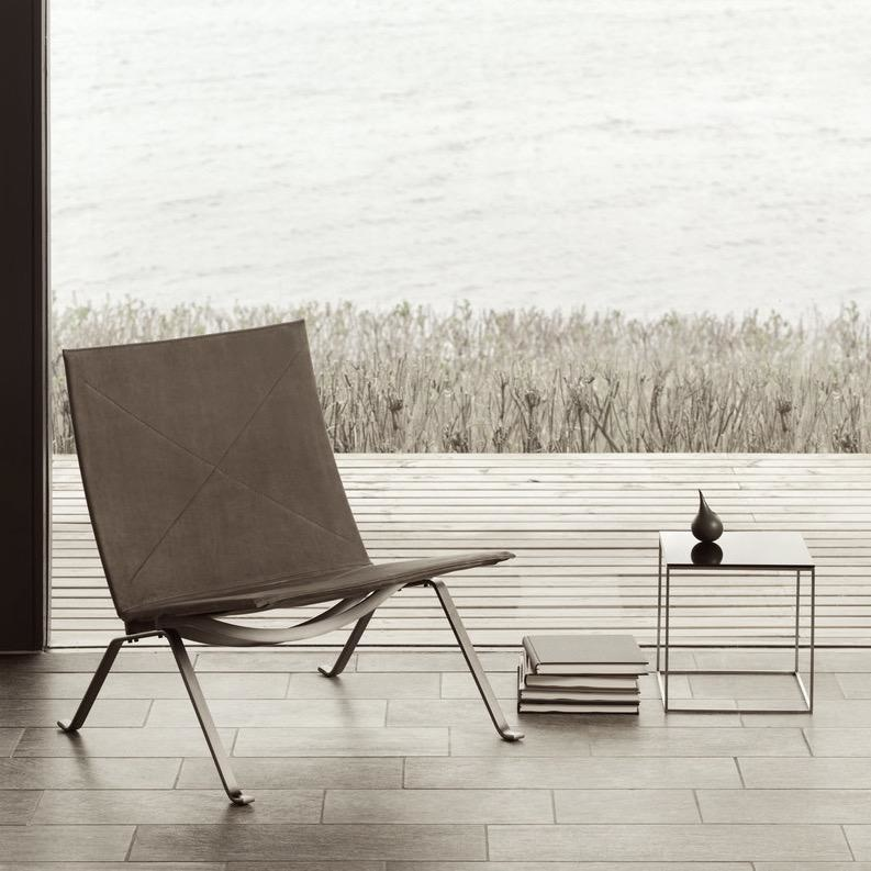 (SHOWROOM ITEM) PK22 LOUNGE CHAIR IN LEATHER