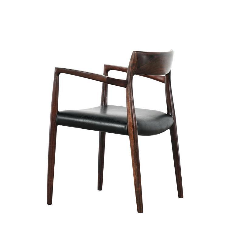 57型號 MØLLER 扶手椅子