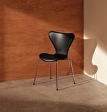 SERIES 7 黑色皮革榆木椅子