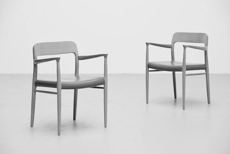 MØLLER 型号56扶手椅子