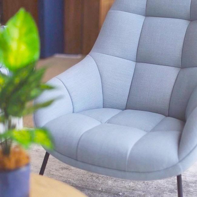 MANGO LOUNGE CHAIR WITH FOOT REST