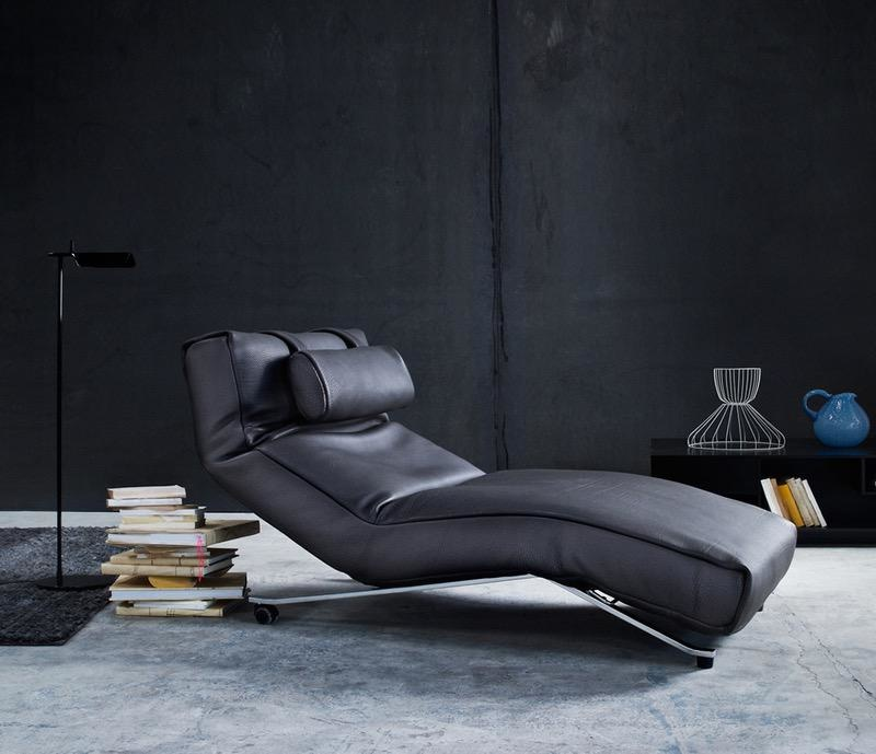 CONTROL EASY CHAIR IN BLACK