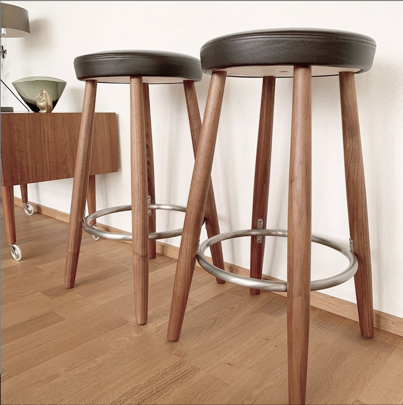 (SHOWROOM ITEM) CH56 HIGH STOOL IN SOLID OAK