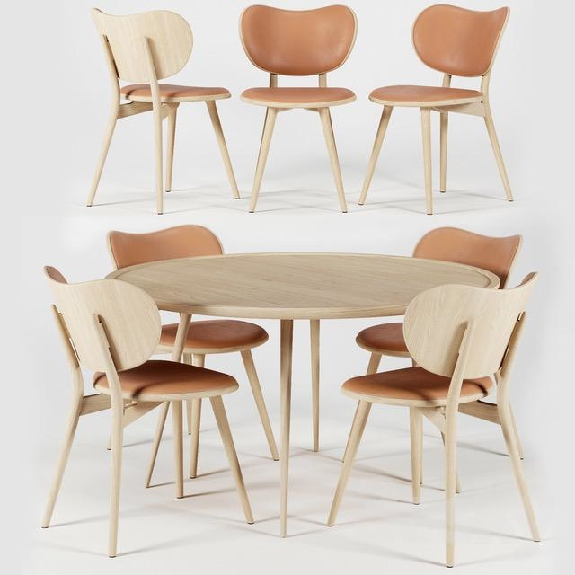 SPACE COPENHAGEN 设计的4人用橡木和皮革餐饮套组