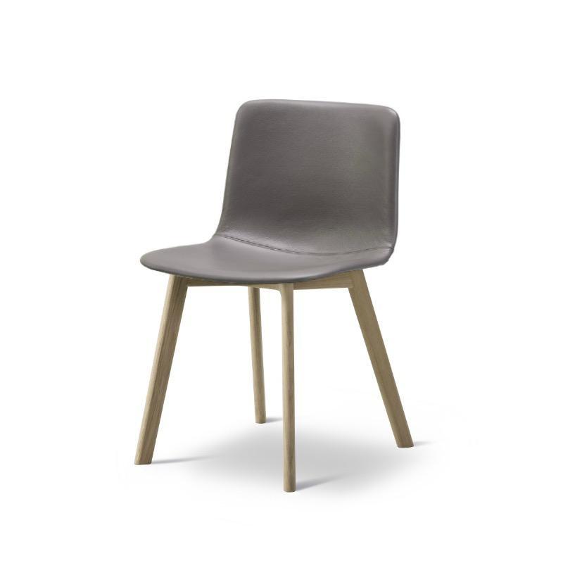 4222 PATO 木腳椅子
