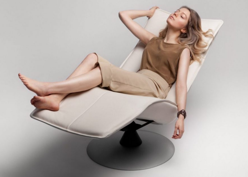 CONTURE LOUNGE CHAIR