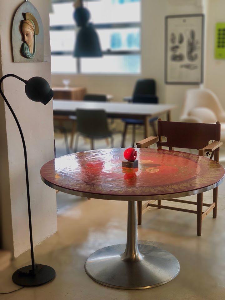 1970年代經典丹麥MYGGE紅色圓形餐桌