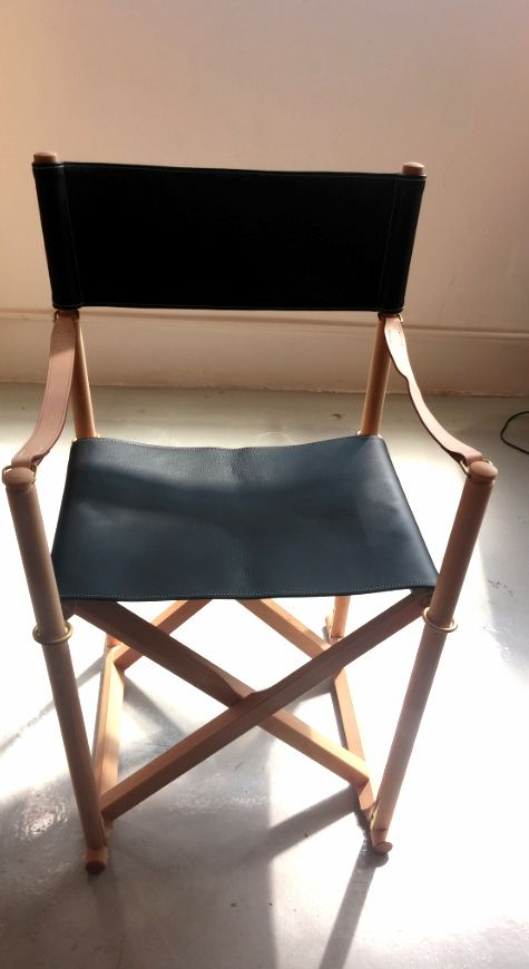 (SHOWROOM ITEM) MK99200 FOLDING CHAIR IN THOR LEATHER