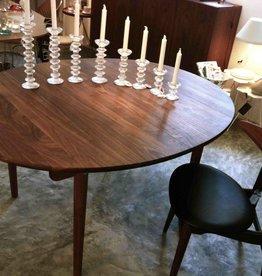 CH337實心胡桃木可延伸橢圓餐桌