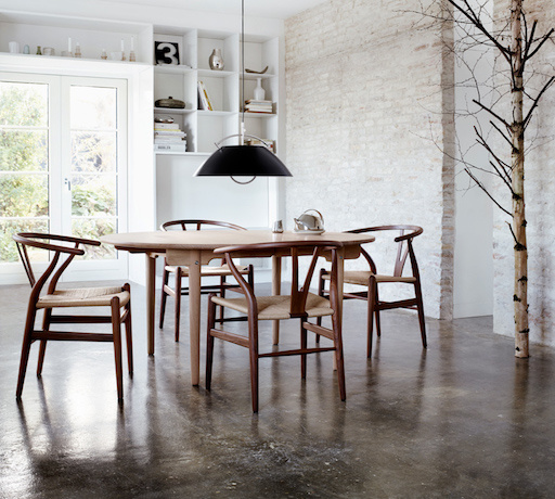 CH337 EXTENDABLE DINING TABLE IN SOLID WALNUT