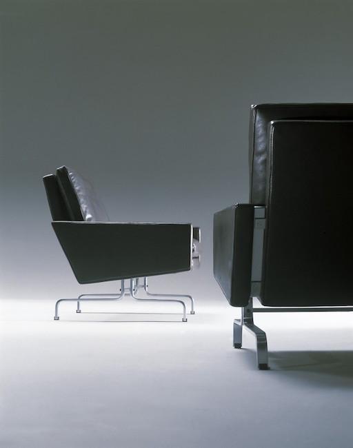 PK31/3 黑色优雅皮革三座位沙发