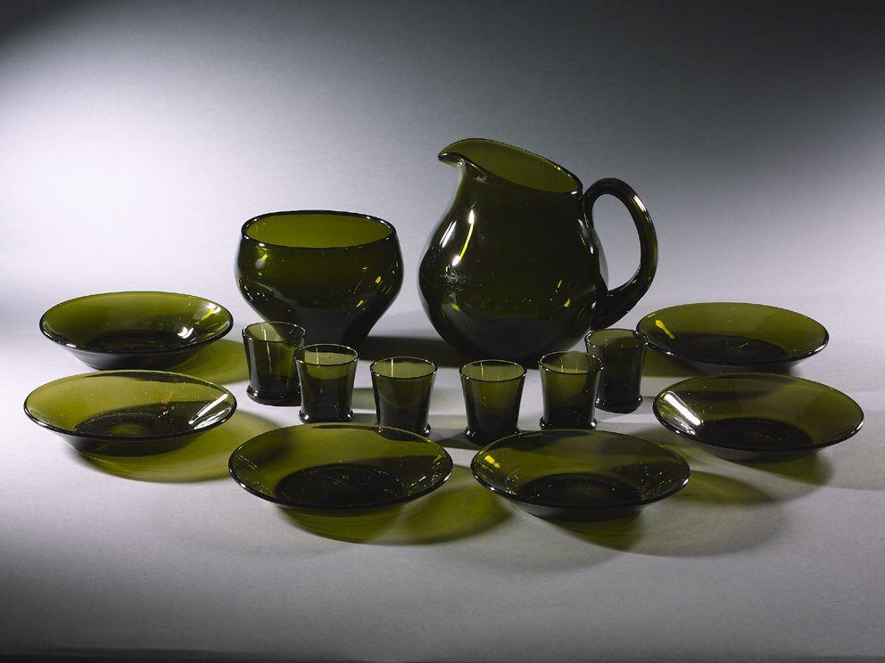 TUPA HAND-BLOWN MOSS-GREEN GLASS LIQUEUR SERVICE FOR SIX<br />FINLAND, c1950