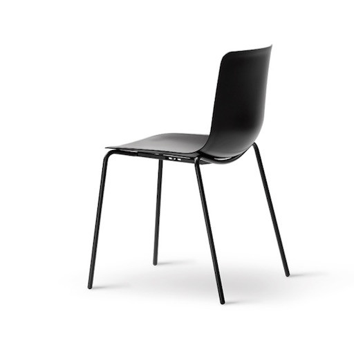 4200 PATO CHAIR IN BLACK