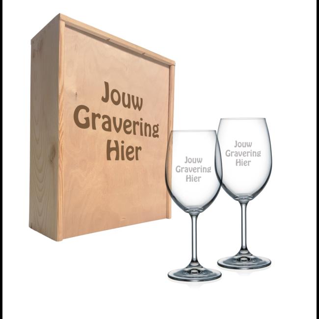 Wijnkist met gegraveerde wijnglazen