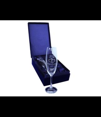 2 champagneglazen gegraveerd met tekst in luxe geschenkverpakking