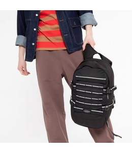 "Eastpak Floid Tact L 16"" laptop-rutas met skateboard-straps accent black"