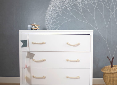 Chest of drawers & shelfs