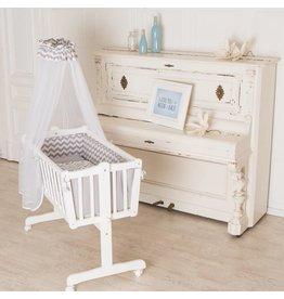 Baby-Wiege in weiß, mit Schwenkfunktion