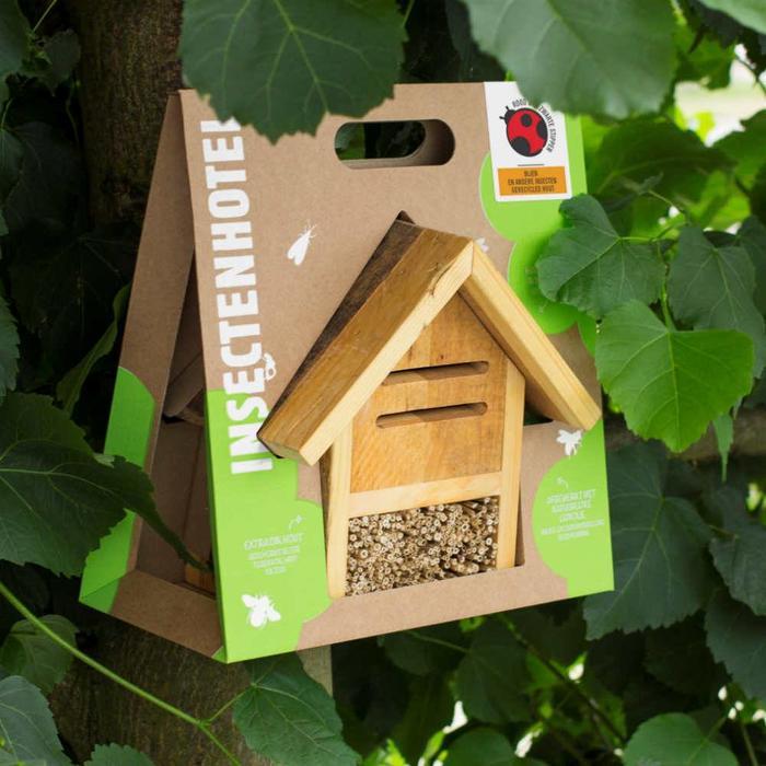 Insectenhotel voor wilde bijen en andere insecten, gerecycled hout