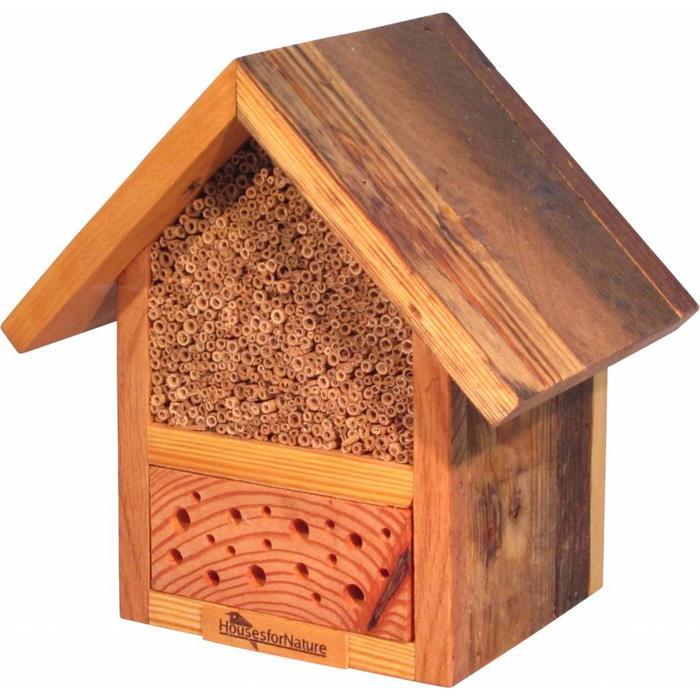 Insectenhotel voor wilde bijen en andere nuttige insecten