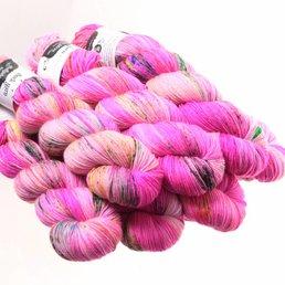 Sock Yarn col. Pinky Swear