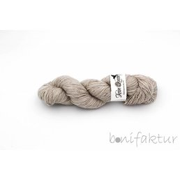 Skeinqueenyarns Wriggle col. Lady Philomere
