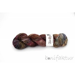 Skeinqueenyarns Wriggle col. Mountain Heather