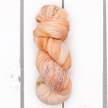Madelinetosh Tosh Merino Light col. Toasted Sugar
