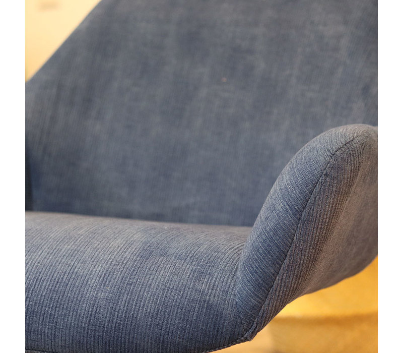 Moderne fauteuil Emily ribstof blauw