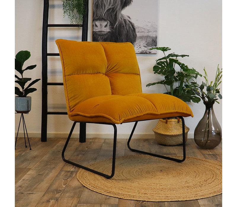 Moderne velvet fauteuil Malaga okergeel