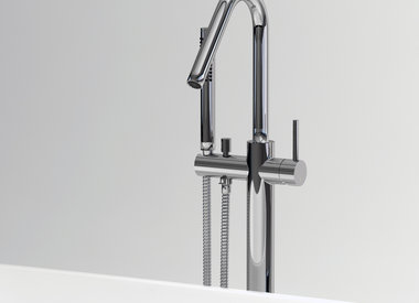 Bathtub mixer taps