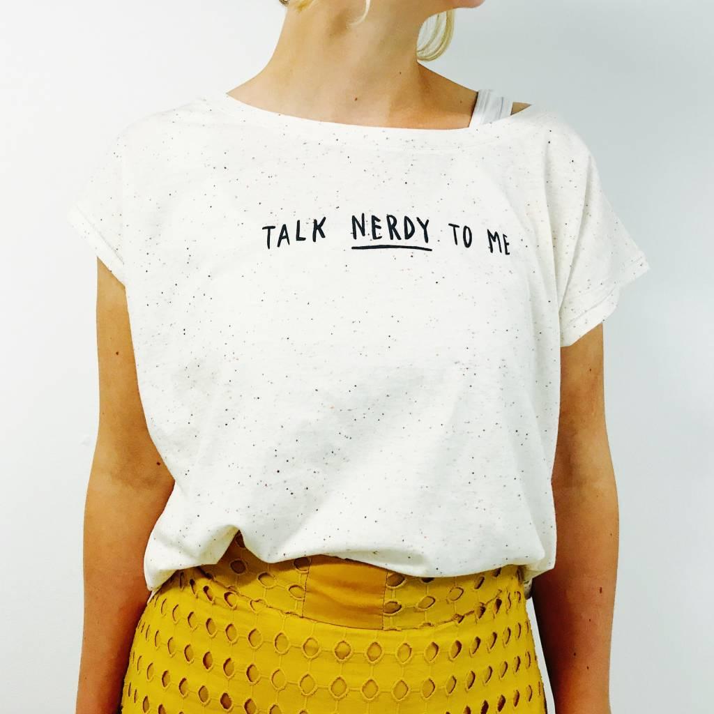 Organic cropped t-shirt: Talk nerdy to me = grijs