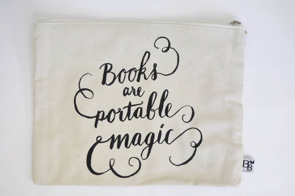 BB etui: Books are portable magic (large)
