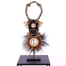 Necklace on tripod D26 H67