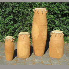Agbadza drums, set van 4, oud