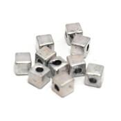 Metalen kralen kubus 5 mm antiek zilverkleur (10 stuks)