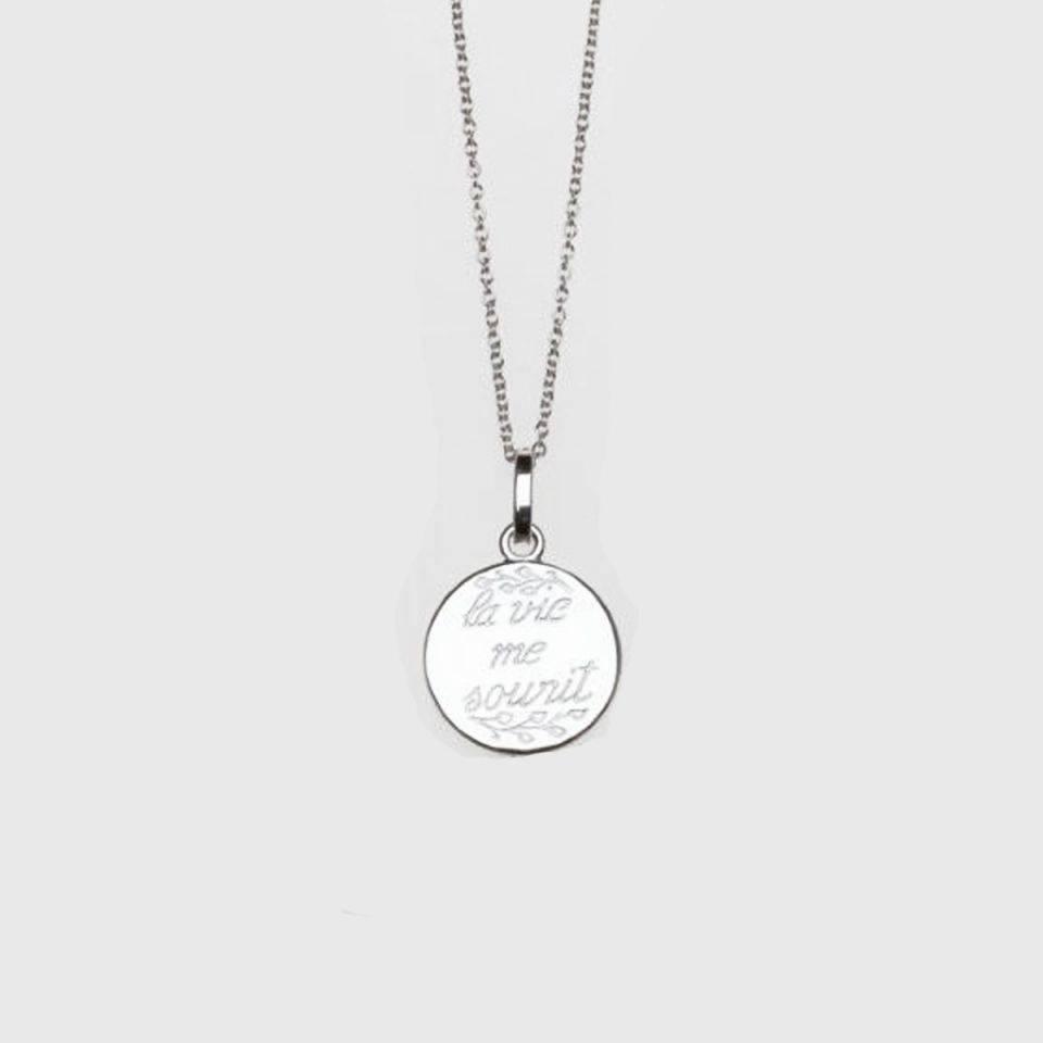 Anne Zellien Anne Zellien sentimental medaillon and necklace 'la vie me sourit' silver 16 mm