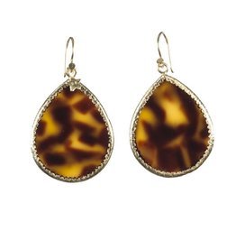 Betty Bogaers Betty Bogaers small tiger resin drop earrings
