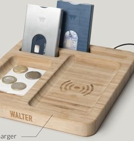 Walter Wallet Walter bamboo dock with wireless charger