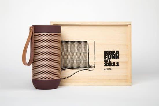 Kreafunk Kreafunk aFunk speaker plum with rose gold grill 15x7 cm