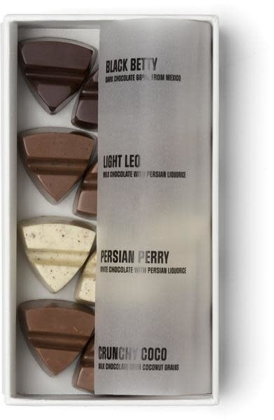 Simply Chocolate Simply Chocolate box 12 pcs 'instead of flowers'