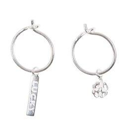 Betty Bogaers Betty Bogaers small hoop earrings lucky bar + clover silver
