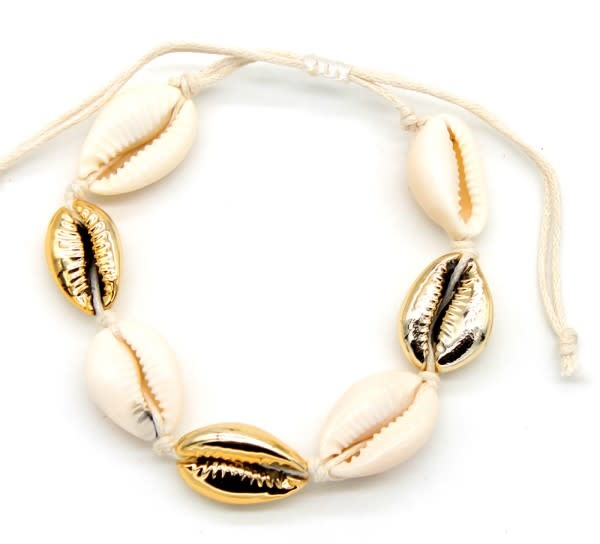 With love Bracelet with gold plated shell and plated shells gold