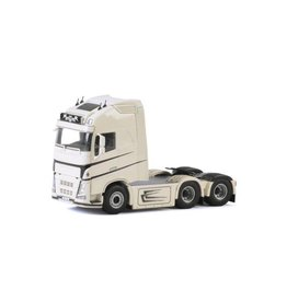 Volvo Volvo FH4 Globetrotter XL Tractor 6x2 Tag Axle 'Jimmy Rosenqvist' - 1:50 - WSI Models