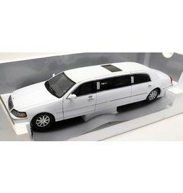 Lincoln Town Car Limousine 2003