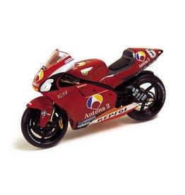 Yamaha Yamaha YZR 500 N. Abe 2002 - 1:24 - IXO Models