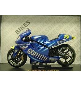 Yamaha Yamaha YZR 500 #19 O. Jacque 2002 - 1:24 - IXO Models