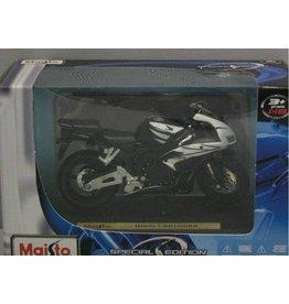Honda Honda CBR1000RR - 1:18 - Maisto